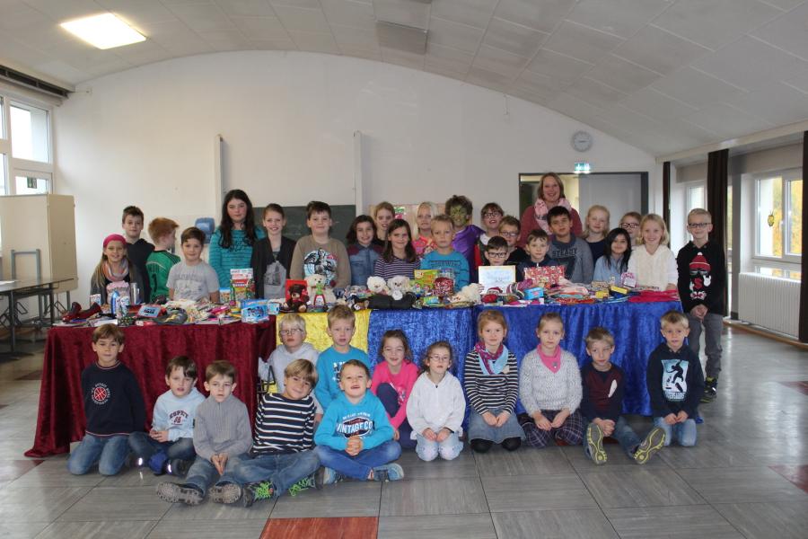 Dohnser Schule Alfeld - Weihnachten im Schuhkarton 2016